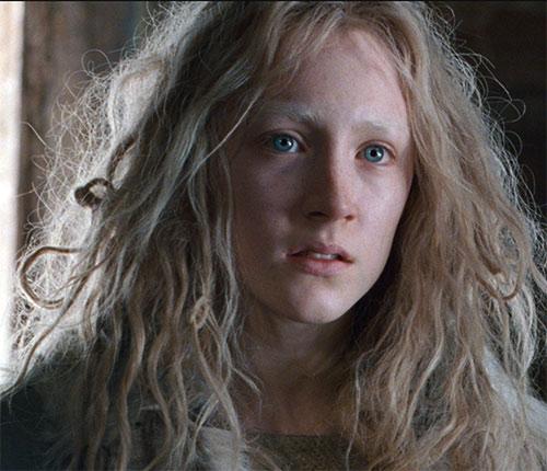 Hanna (Saoirse Ronan) emoting
