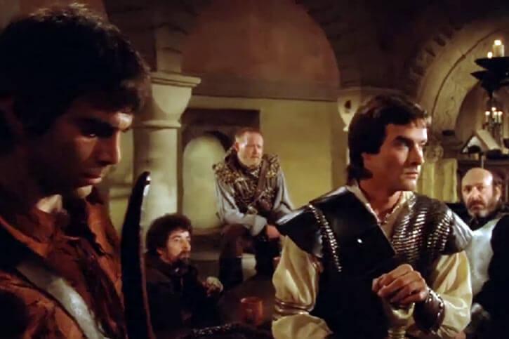 Hawk the Slayer - 1980s Fantasy movie - Team indoors