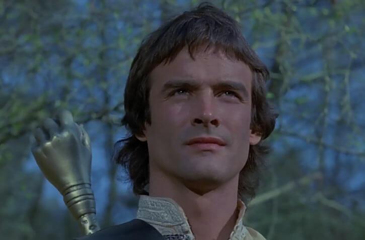 Hawk the Slayer - 1980s Fantasy movie - Portrait forest pommel