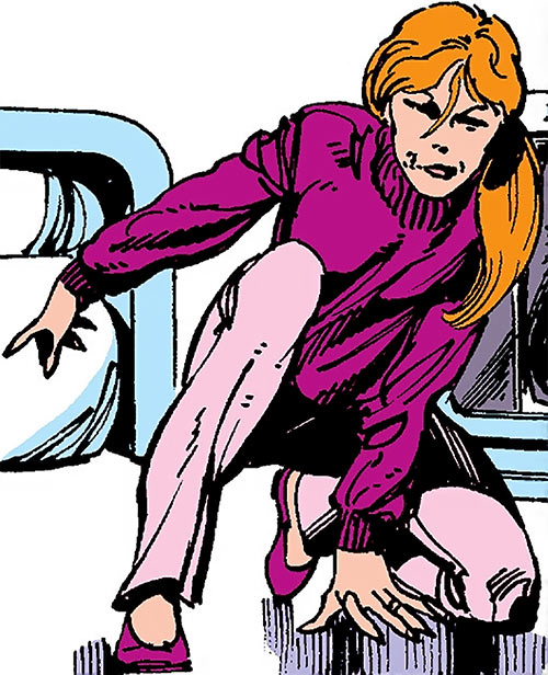 Heather Hudson (Alpha Flight) (Marvel Comics) rise after having been knocked down
