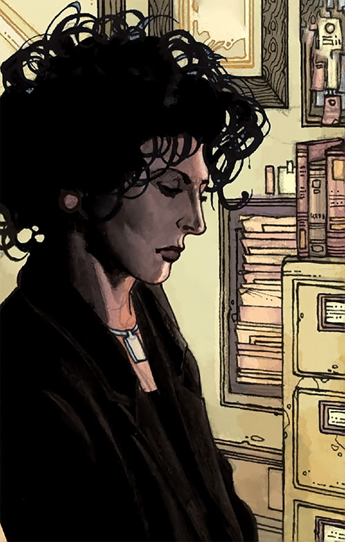 Agent Helen Helligan (7 Soldiers) (DC Comics) thinking