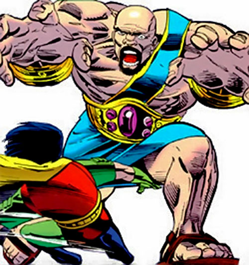 Heracles (Maxie Zeus henchman) (DC Comics) vs. Robin
