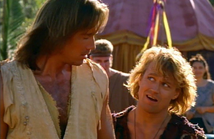 Hercules (Kevin Sorbo) and Iolaus (Michael Hurst)