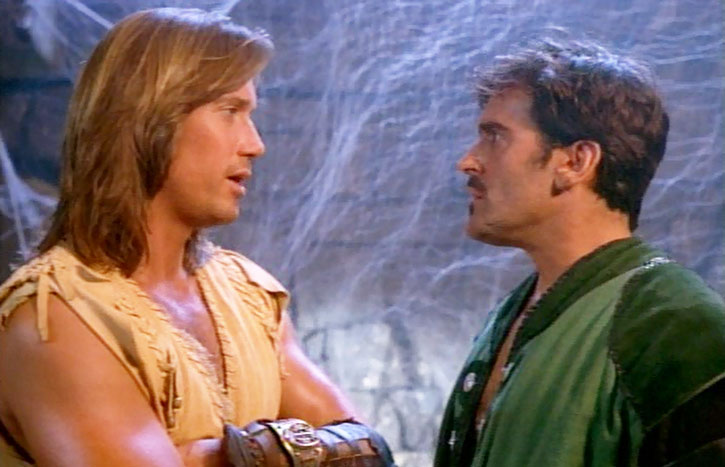 Hercules (Kevin Sorbo) discusses with Autolycus (Bruce Campbell)