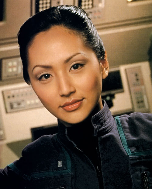 Hoshi Sato (Linda Park in Star Trek Enterprise) face closeup