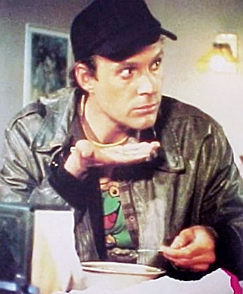 Howlin' Mad Murdock (Dwight Schultz in The A-Team) eating