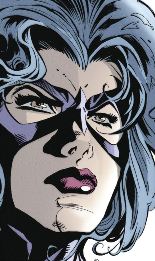 Huntress (Helena Bertinelli) (DC Comics) face closeup
