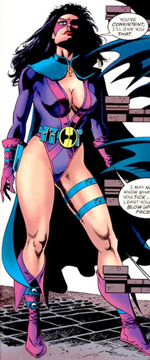 Huntress (Helena Bertinelli) (DC Comics) early costume 1/2