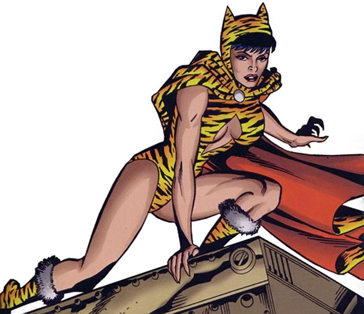 Huntress (Paula Brooks) posing on a rooftop