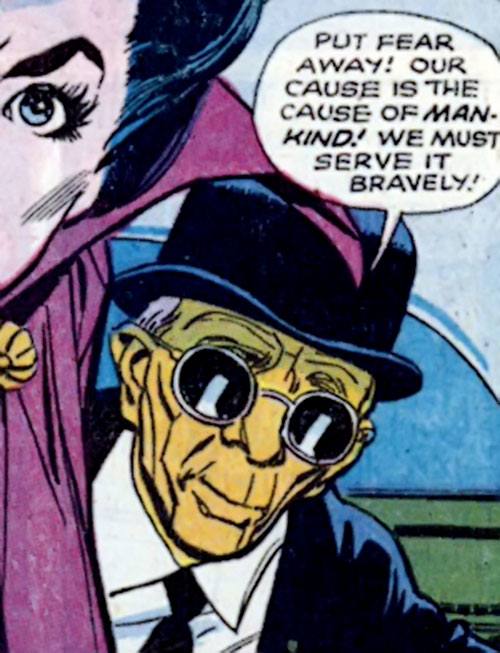I-Ching (Wonder Woman ally) (DC Comics) giving a pep talk