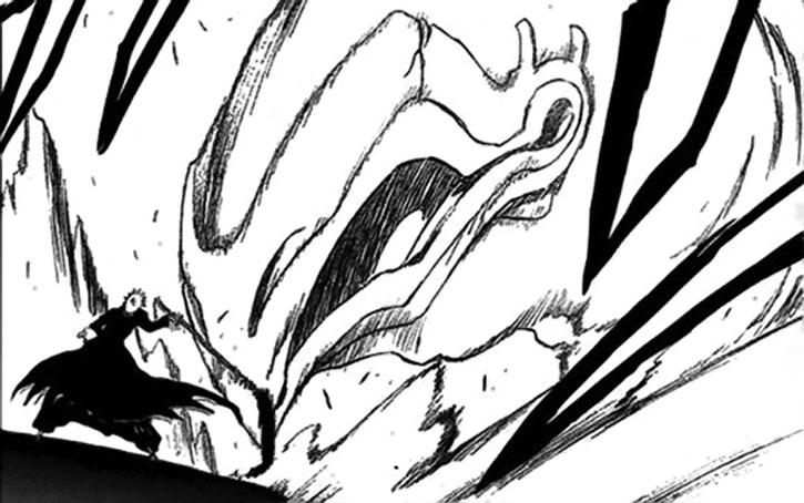 Ichigo faces a giant projection