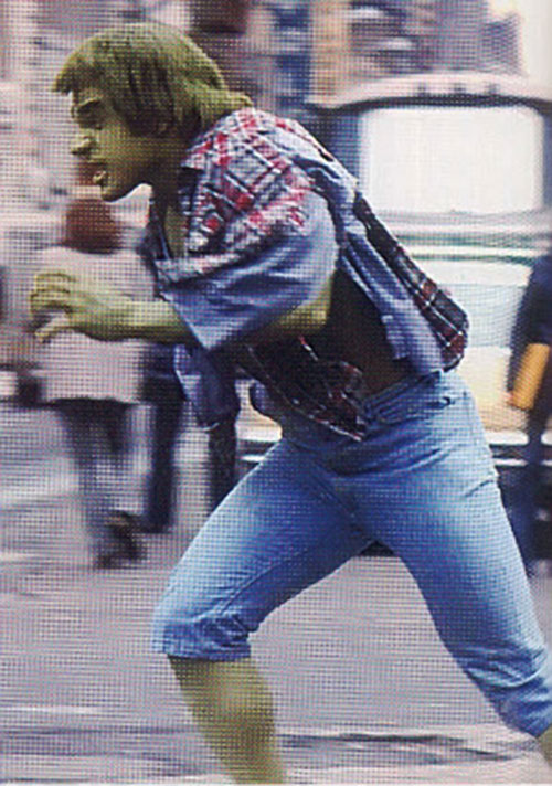 Lou Ferrigno as the Hulk, running in jeans