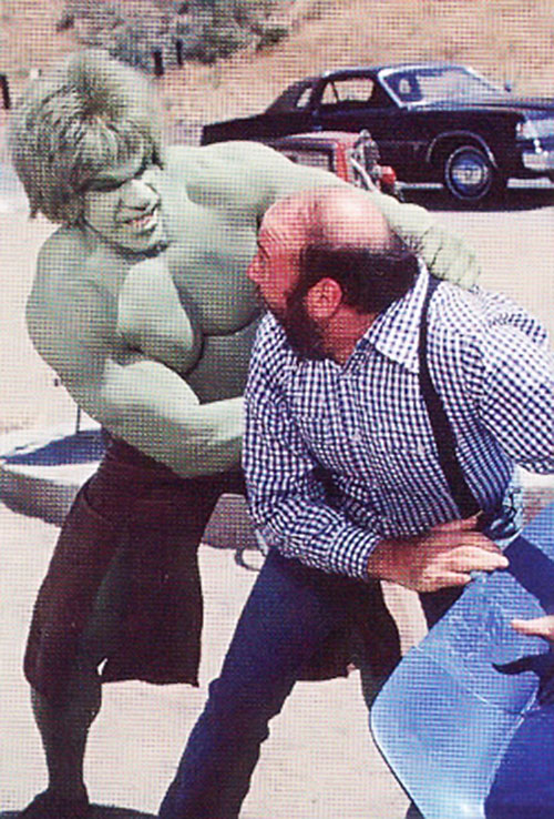 Lou Ferrigno as the Hulk, catching a terrified man