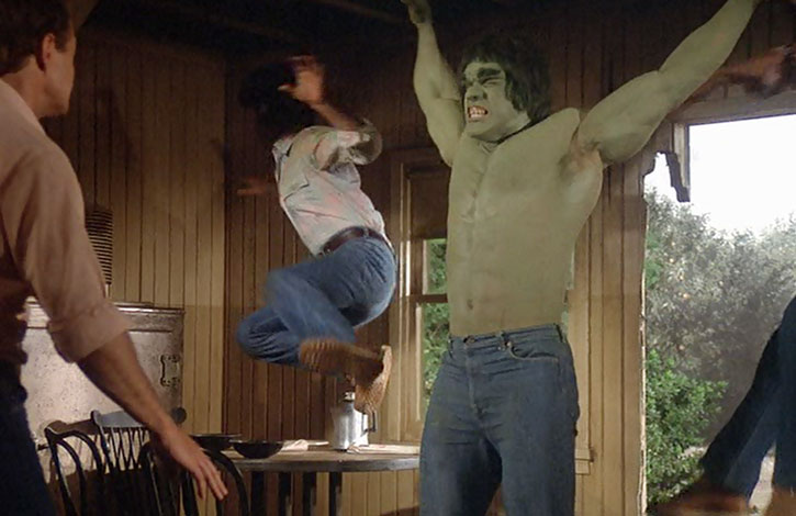 The Incredible Hulk (Lou Ferrigno) throws back some dudes