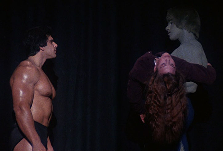Lou Ferrigno faces the Incredible Hulk