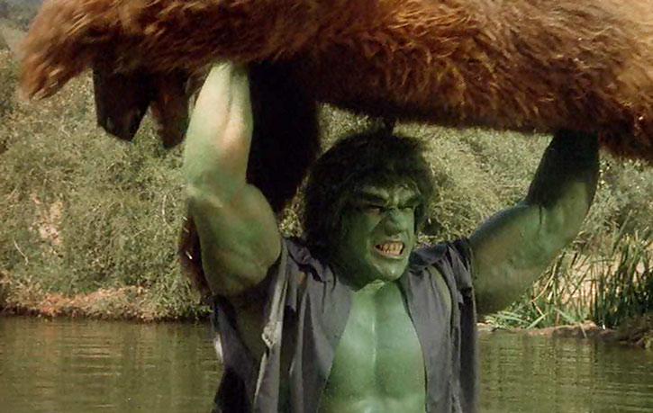 The Incredible Hulk (Lou Ferrigno) lifts a bear