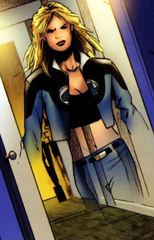 Ultimate Invisible Woman (Ultimate Marvel Comics) partially invisible