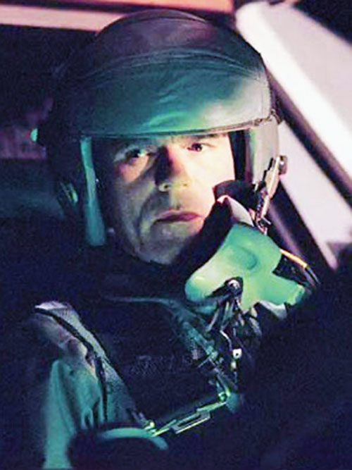 Jack O'Neill (Richard Dean Anderson in Stargate) piloting