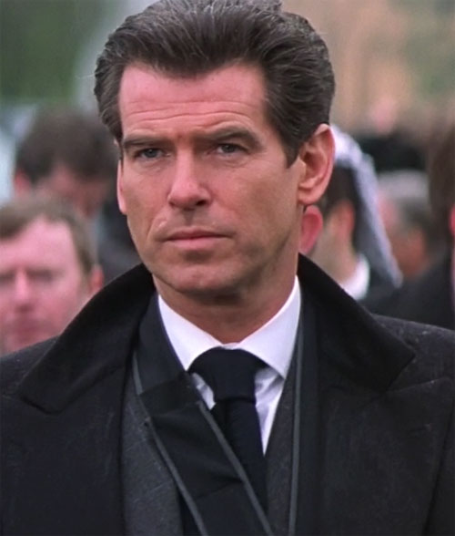 James Bond (Pierce Brosnan) face closeup