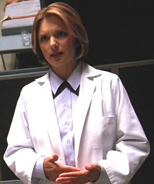 Major Janet Fraiser (Teryl Rothery in Stargate) in a lab coat