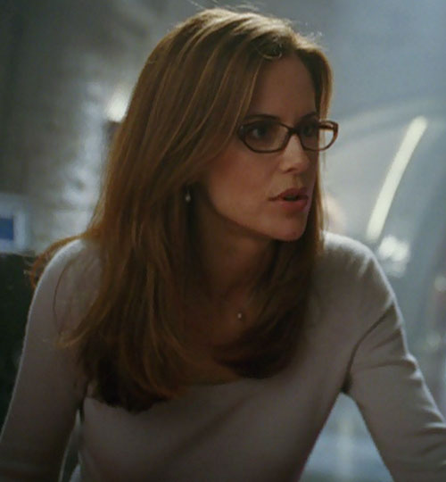 Jetstream (Kelly Preston in Sky High) gray sweater glasses