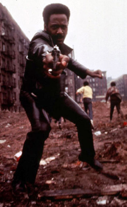 John Shaft (Richard Roundtree) in the ghetto