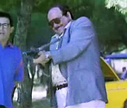 Torrente firing a submachinegun