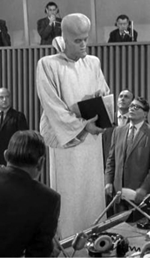 "Kanamit (Twilight Zone episode ""To Serve Man"") at the UN"