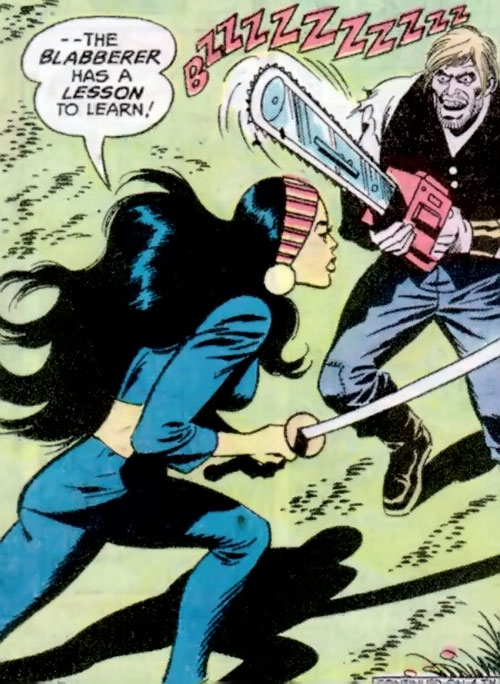 Lady Shiva (Richard Dragon early version) (DC Comics) faces a crazy with a chainsaw