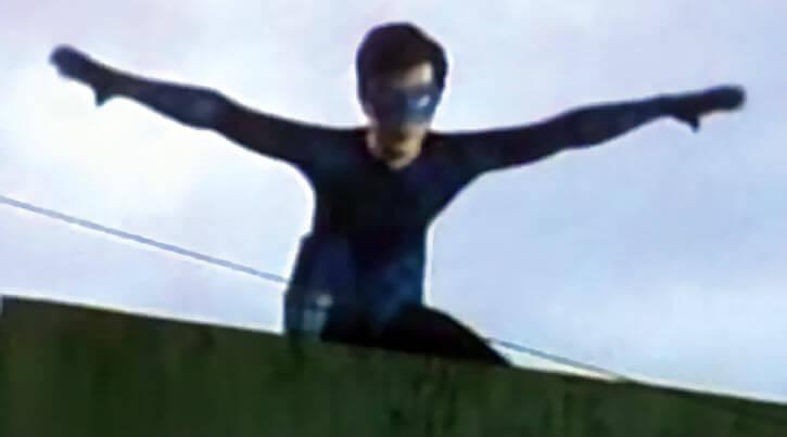 Lastikman (Mark Bautista) on a roof