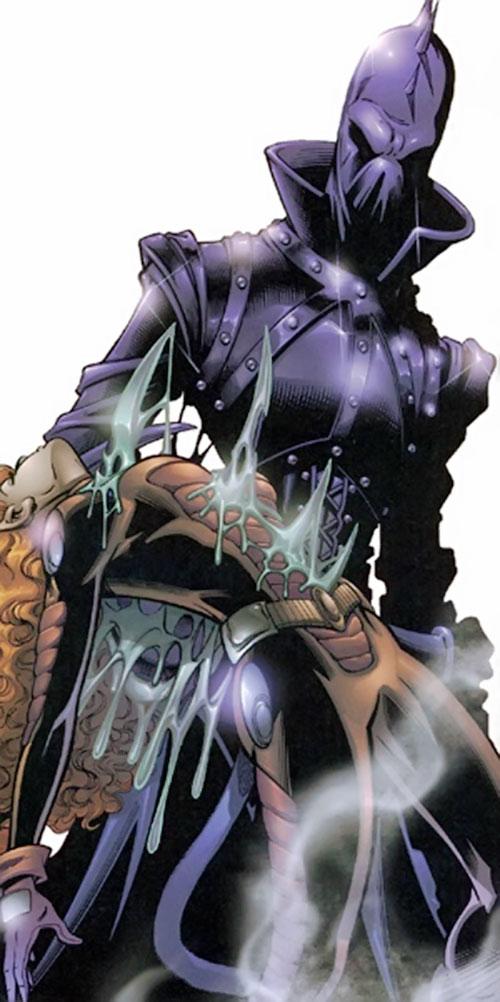 Lawbringer Qztr (Negation Crossgen comics) impaling a woman on his claws