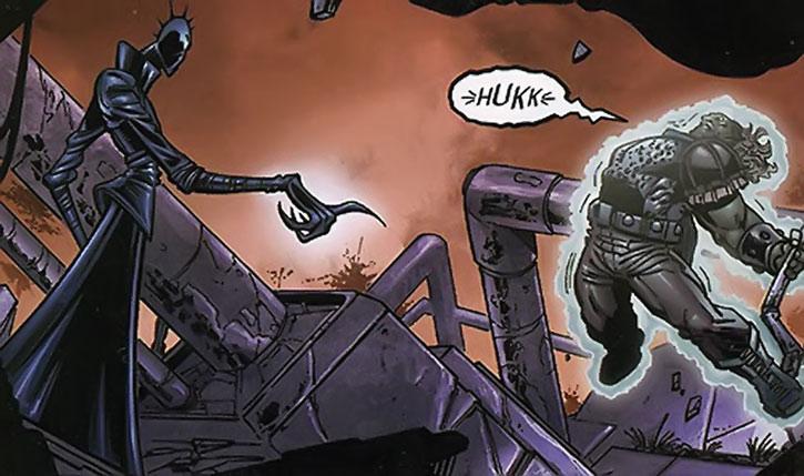 Lawbringer Qztr using telekinesis on an alien