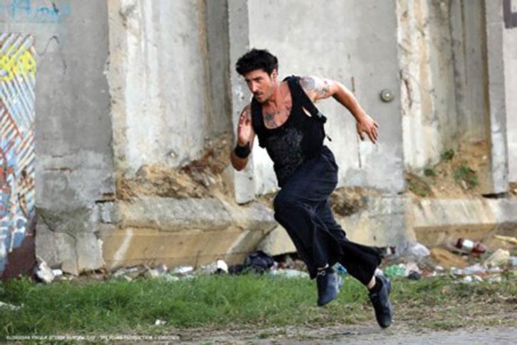 Leito (David Belle) running