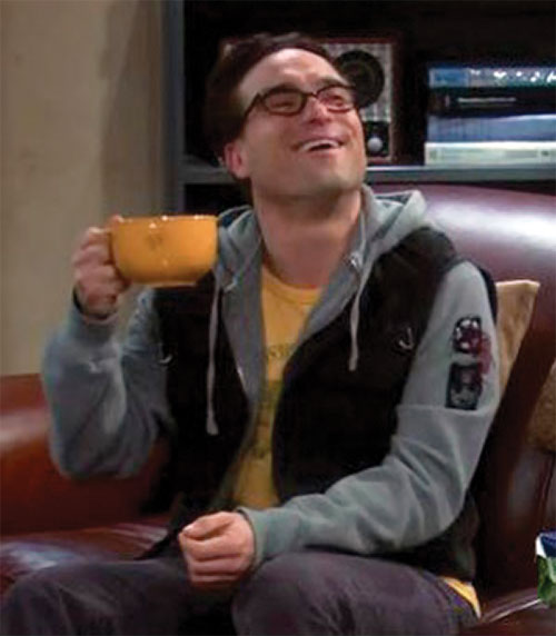 Leonard Hofstadter (Johnny Galecki in Big Bang Theory) laughing with a yellow bowl