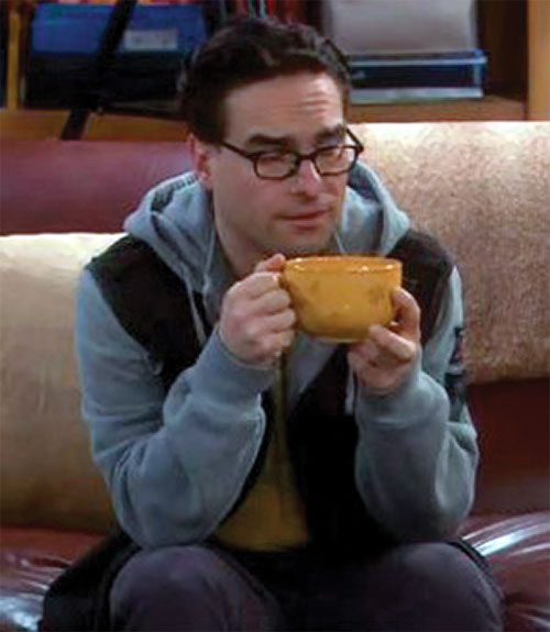 Leonard Hofstadter (Johnny Galecki in Big Bang Theory) having a cuppa