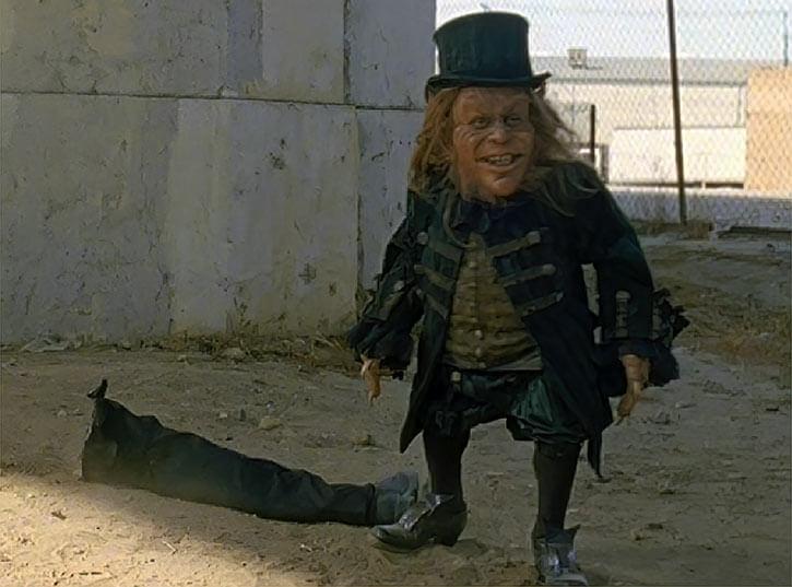 Leprechaun - Bad horror movies - Warwick Davis - Severed leg