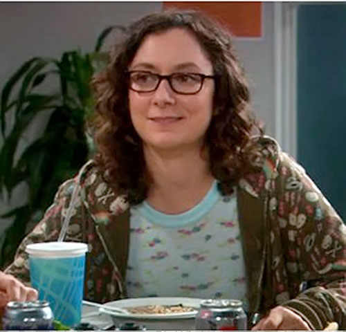 Leslie Winkle (Sara Gilbert in Big Bang Theory) eating