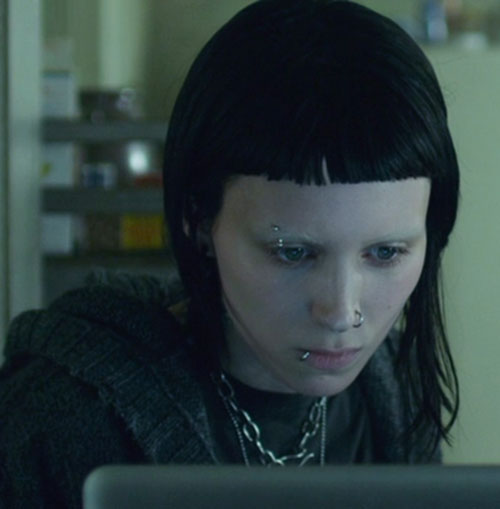 Lisbeth Salander (Movie version) (Rooney Mara take) piercings