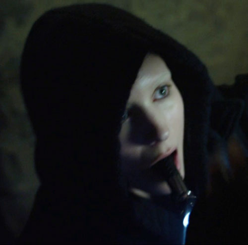 Lisbeth Salander (Movie version) (Rooney Mara take) flash light in mouth