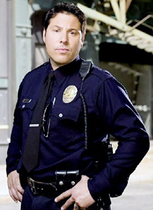 Matt Parkman (Greg Grunberg in NBC's Heroes) in police patrol uniform