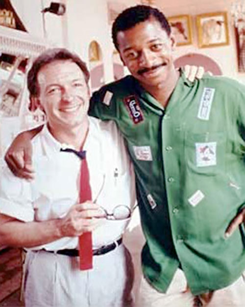 Meteor Man (Robert Townsend) and his buddy
