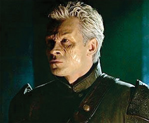 Michael Kenmore (Connor Trinneer in Stargate Atlantis) with white hair and hybrid skin