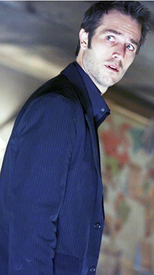Michael Vaughn (Michael Vartan in Alias) in a night blue vest