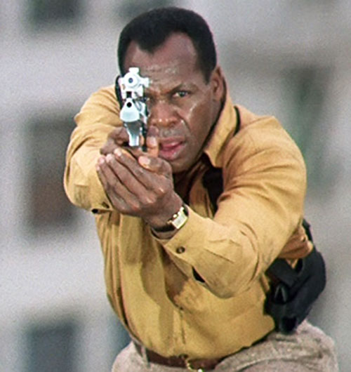 Mike Harrivan (Danny Glover in Predator II) aiming his desert eagle