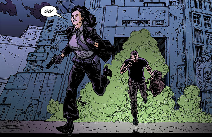Miranda Zero of Global Frequency (Wildstorm Comics) running smoke grenades