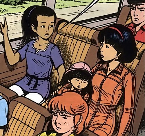 Monya with Yoko Tsuno and friends on a bus