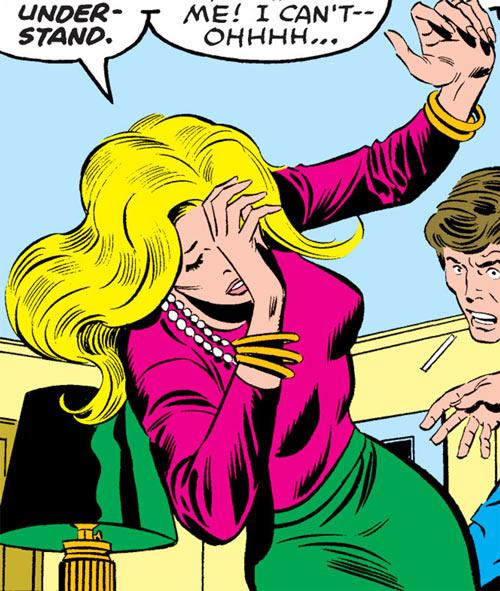 Carol Danvers (Marvel Comics) (Captain Marvel ally) fainting