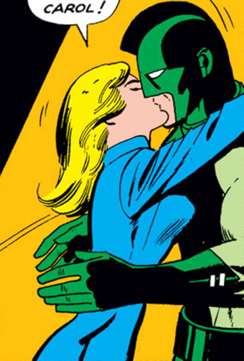 Carol Danvers (Marvel Comics) (Captain Marvel ally) kissing Mar-Vell