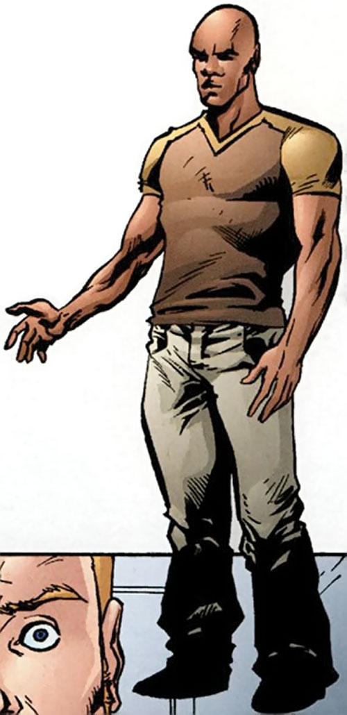 Myriad of Dynamo 5 (Image Comics) with a brown T-shirt