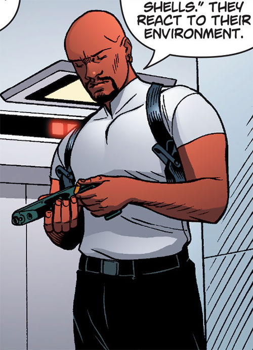 Inspector Nathan Kane (Ocean comic by Ellis) with his vest off